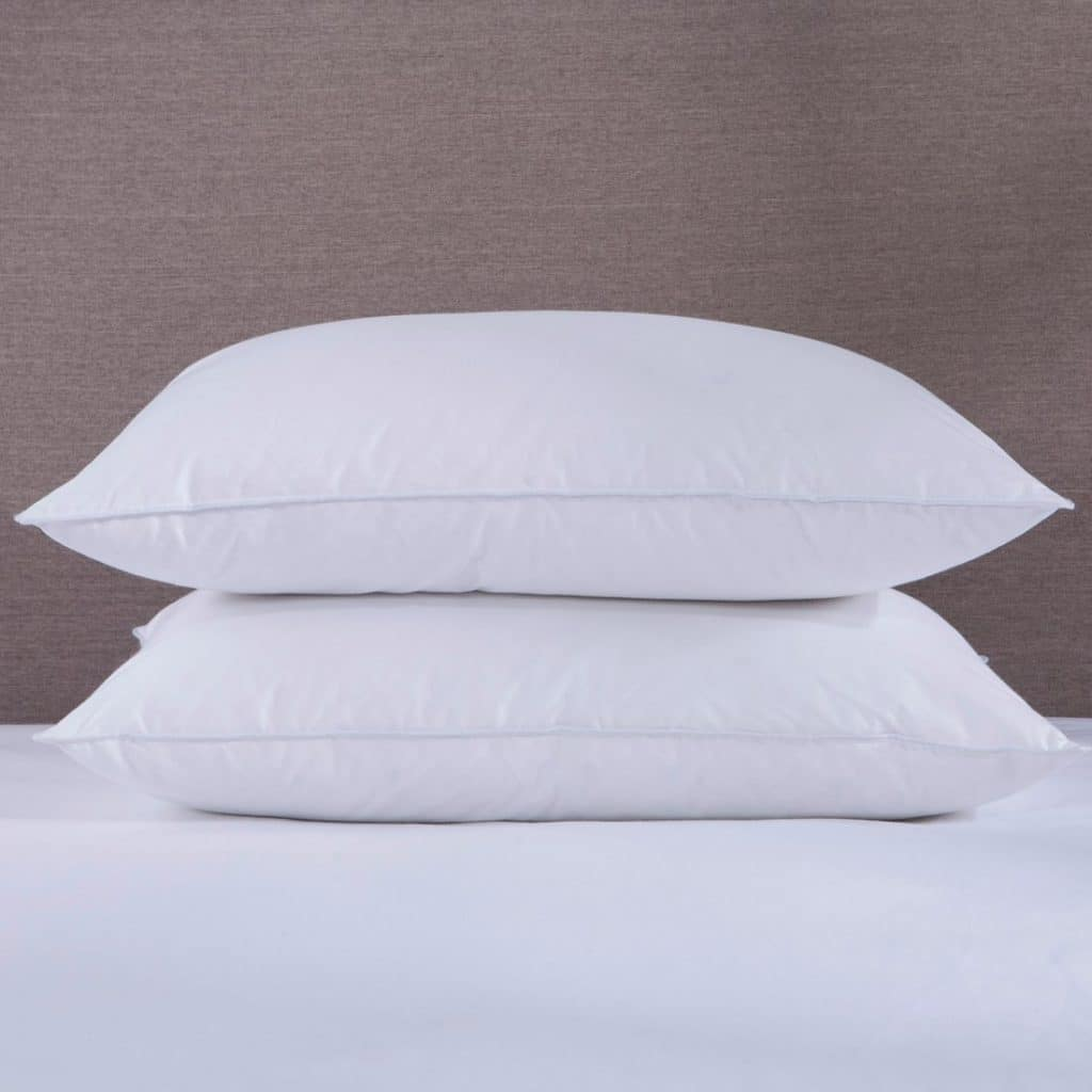 5 Best Goose Down Pillows Reviewed By Amazon Customers